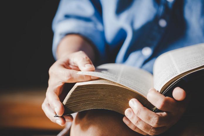 Cegah Buku Kamu Menguning dengan Trik Sederhana Ini